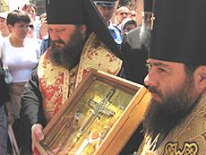 Частица древа Животворящего Креста Господня прибыла в Украину