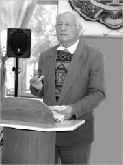 виступає професор Ю. Д. Руденко