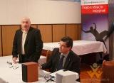 головний лікар Данило Лісняк разом з Мацей Сметанським розпочинає конференцію